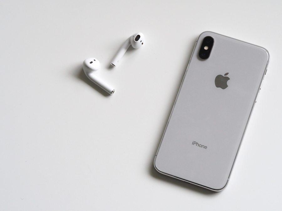 Apple reaches a trillion dollars