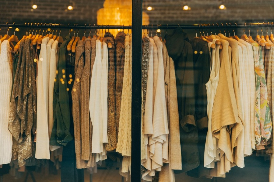Selling second-hand clothes